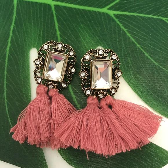 BNWT dusty rose pink tassel earrings Boutique